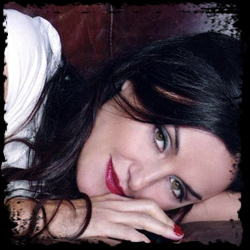 Exclusive Interview: Lisa Zane